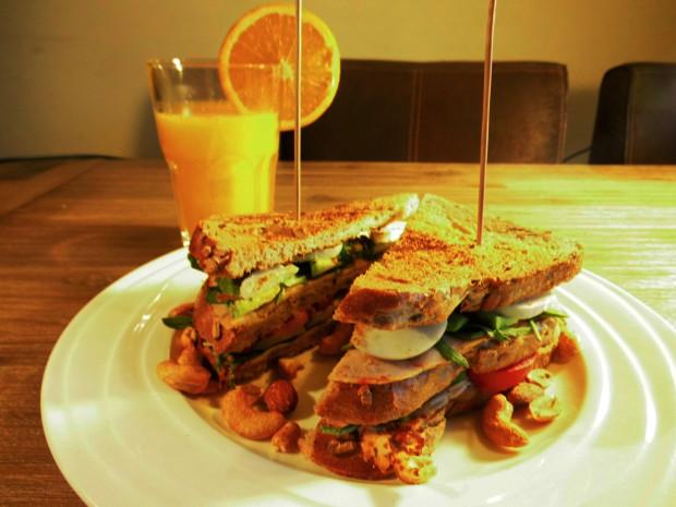 Koolhydraatarme Avocado Sandwich