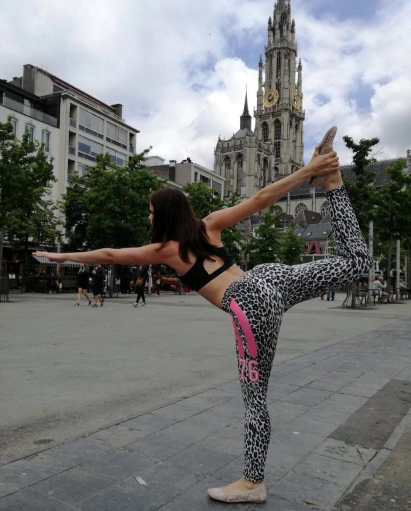 yoga deborah debbythechocoholic.com