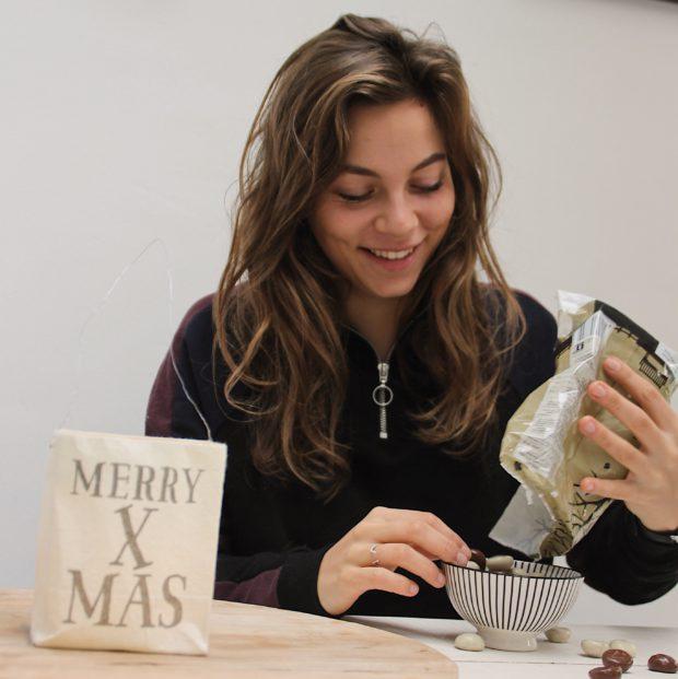 hoe ga je om met de feestdagen sharon van tuil