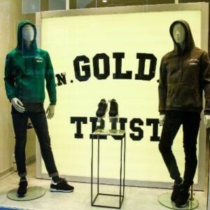 in gold we trust lanceert sneaker