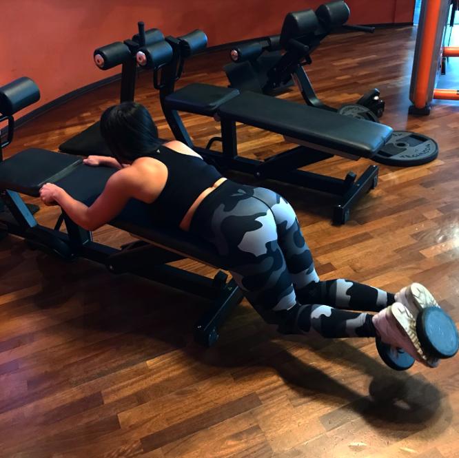 10 workout vragen aan @tessa_priscilla glute