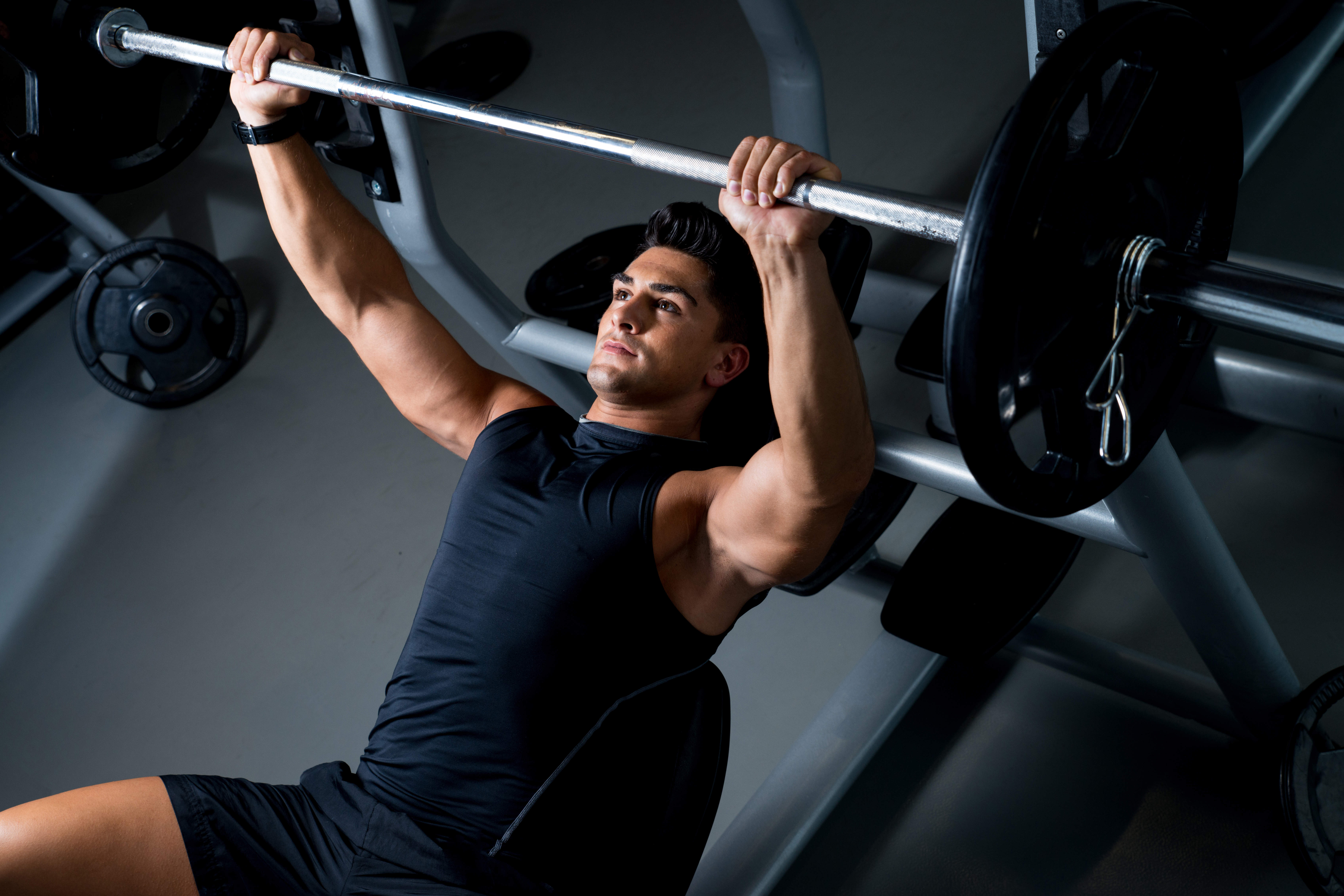 bench press, bank drukken, compound oefeningen, fitness oefeningen
