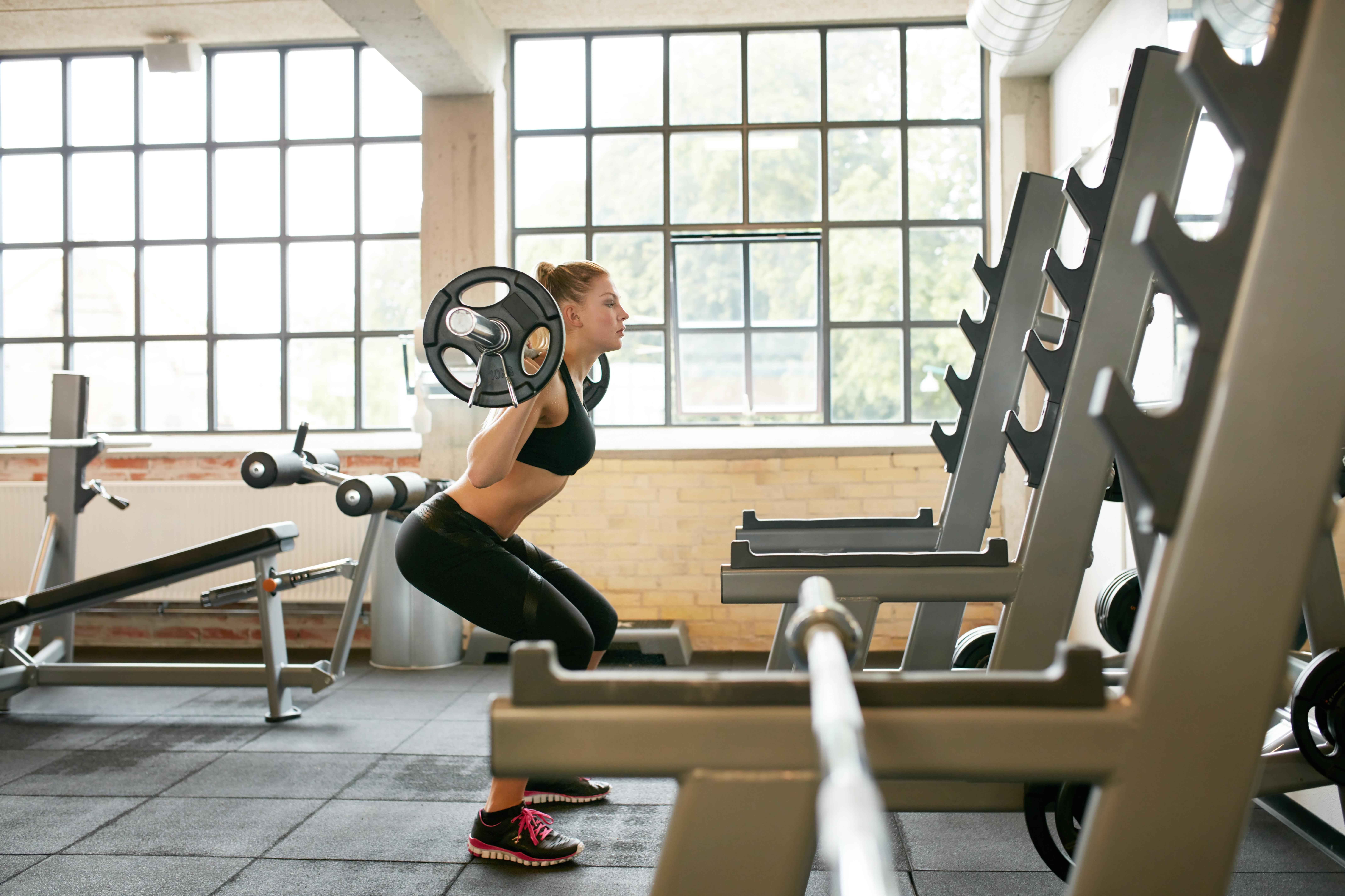 squat, compound oefeningen, compound oefening, krachttraining, krachttraining vrouwen